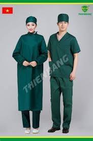 Công dụng của quần áo bảo hộ y tế và khẩu trang nhựa trong suốt